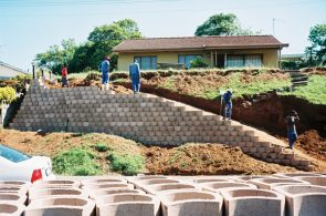 IC Paving and Walling cc Retaining-Walls10-295x195