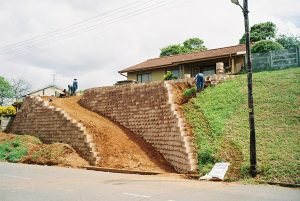 IC Paving and Walling cc Retaining-Walls11-300x201
