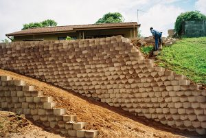 IC Paving and Walling cc Retaining-Walls12-300x201