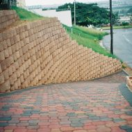 IC Paving and Walling cc Retaining-Walls13-190x190