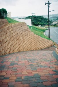 IC Paving and Walling cc Retaining-Walls13-201x300