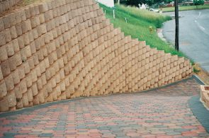 IC Paving and Walling cc Retaining-Walls13-295x195